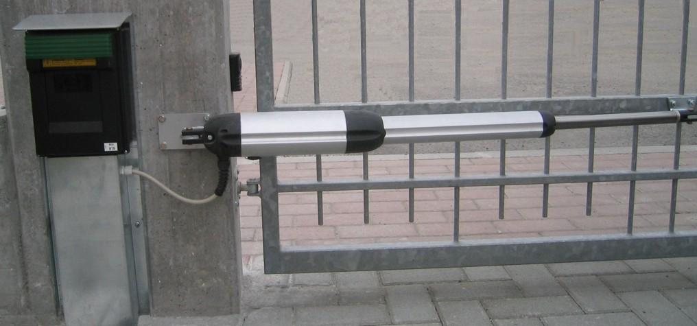Automazioni per cancelli battenti scorrevoli generaltek - Cancelli x finestre ...