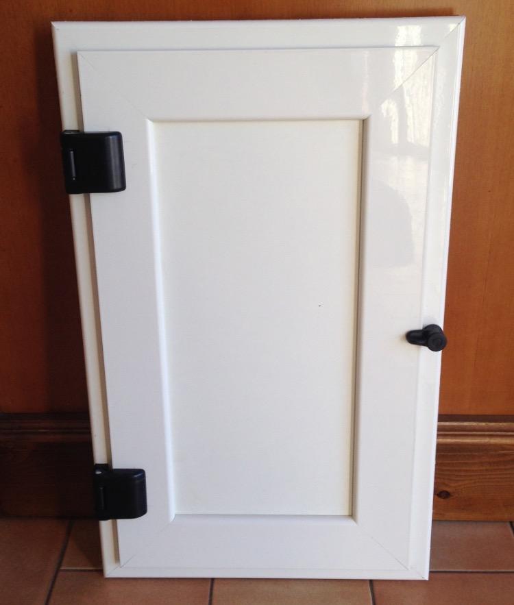 Porte Con Inserti In Alluminio : Sportelli in alluminio generaltek