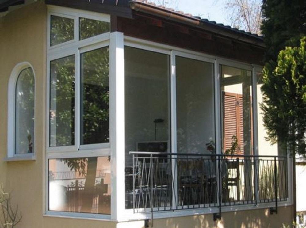 Veranda in alluminio per balcone prezzi